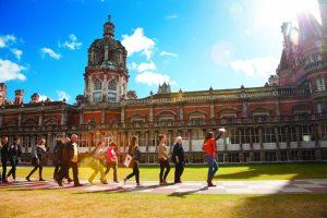 Royal Holloway University, летний лагерь для детей, Лондон