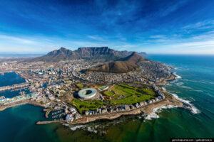 Lal, Кейптаун, программа для взрослых